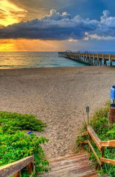 Jupiter Florida is full of wonderful tropical white sand beaches! http://www.waterfront-properties.com/jupiteradmiralscove.php