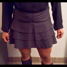 DVF SHORT RUFFLED SKIRT CUTEST EVER This baby will take you any where u wanna go! So slimming so fun and comfy and fits everyone from a 2 to an 8. All hardly worn. Perfect condition. Diane von Furstenberg Skirts
