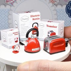 ONE miniature handmade toaster, entirely made by me in 1:12 scale, from my new collection. They are much more detailed and have heating elements inside :) Height: 16mm (5/8in) All parts and every detail in my miniature appliances are made by me (beaters, dials, gauges, buttons…) I