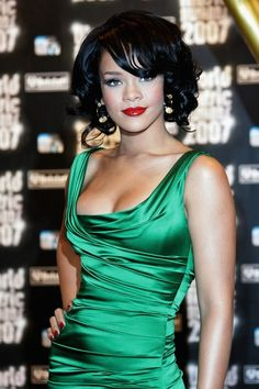 MONTE CARLO, MONACO - NOVEMBER 04: Singer Rihanna attends the 2007 World Music Awards held at the Sporting Club on November 4, 2007 in Monte Carlo, Monaco. (Photo by Tony Barson/WireImage)