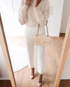 White and beige work outfit. Trajes Business Casual, Business Chic, Business Casual Outfits, Professional Outfits, Office Outfits, Classy Outfits, Chic Outfits, Fashion Outfits, Modest Fashion