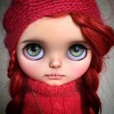 "SOLD So this is Tabitha! And here comes the info! READ CAREFULLY! Base doll is old factory Blythe. This means she is not a fake. Marked ""A b"" inside front plate and metal ring is missin…"