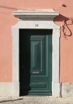 FARO_SIMPLE_DOOR with entablature