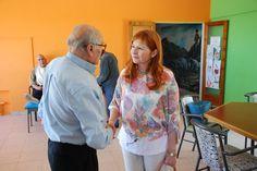 González supervisó las obras del Hogar de Ancianos Juan Pablo VI de Comodoro http://www.ambitosur.com.ar/gonzalez-superviso-las-obras-del-hogar-de-ancianos-juan-pablo-vi-de-comodoro/ La ministra de Familia destacó el trabajo permanente y abocado que tiene el personal de la institución, con el que dialogó al recorrer la institución. Señaló que pronto se estará inaugurando la obra de remodelación y mejoramiento de un ala de la institución.     Directivos, personal y