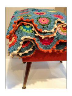 -•✿• ♥ •✿•  Coberta em Crochê Hexágono com Flores -  /   •✿• ♥ •✿•  Deck under  Hexagon Crochet Hooks  with Flowers -