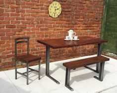 Breakfast bar table & two bar stools rustic di Redcottagefurniture