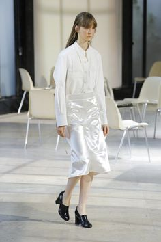 Lemaire | Ready-to-Wear - Spring 2018 | /SIMPLICITY/TIMELESSNESS/NEW CLASSICS