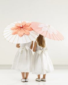 Flower Girl Parasols: What a sweet spring touch so a sweet flower girl!
