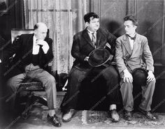 photo Laurel and Hardy 2234-36