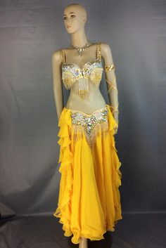 Dancewear to bounce schools, accountants, dancers; high quality and beginners. Hip Hop Dance Outfits, Stage Outfits, Sexy Outfits, Girl Outfits, Belly Dance Outfit, Tribal Belly Dance, Belly Dance Costumes, Bollywood Dance Costumes, Tribal Fusion