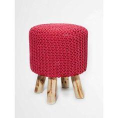 Puff Crochet c/ Pé de Madeira Vermelho