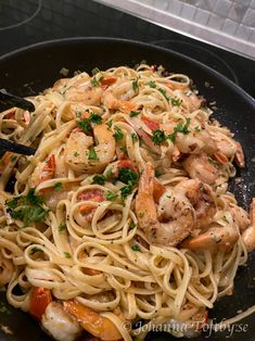 Pasta linguine med scampi - Johanna Toftby Scampi, Linguine, Love Food, Spaghetti, Food And Drink, Lunch, Dinner, Healthy, Ethnic Recipes