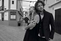 All the latest men's fashion lookbooks and advertising campaigns are showcased at FashionBeans. Click here to see more images from the Massimo Dutti Travel Spring/Summer 2016 Men's Lookbook