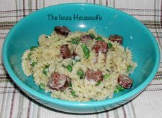 The Iowa Housewife: Sausage Alfredo