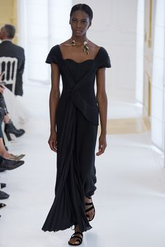 See the complete Christian Dior Fall 2016 Couture collection.  Model: Marie Fofana