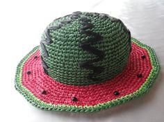 スイカ型、子供用の夏の帽子です。小さい子供がこの帽子をかぶって歩いているところを想像したら、思わず、ぷぷぷっと笑ってしまいました。想像して、そして使ってくださ...|ハンドメイド、手作り、手仕事品の通販・販売・購入ならCreema。
