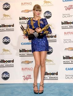 Taylor won 8 Billboard Music Awards in 2013