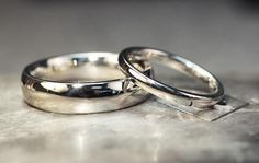 Hand Carved and Cast Wedding Band Set - CHINCHAR•MALONEY