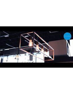 Ontdek onze verlichting landelijke stijl! Deze landelijke hanglamp is 1m lang en kan worden uitgerust met 4 LED filament lampen! Ze is beschikbaar in zwart, ruggine of oud koper! Aantrekkelijke prijs! Bekijk ook ons filmpje op https://www.youtube.com/watch?v=-ijDtB0UjwI