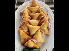 Samosas Part 1 (How To Make The Samosa Pocket) - La Toyza - African Food Indian Snacks, Indian Food Recipes, Asian Recipes, Curry Recipes, Keema Samosa, Tapas, Samosa Recipe, South African Recipes, West African Food
