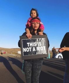 This is the face of Standing Rock. And after a recent gallon leak in the Keystone pipeline too. I've lived in South Dakota my whole life, and it's clear Trump doesn't care about any of us living here in the Dakotas. Native American Wisdom, Native American History, Native American Indians, Dakota Pipeline, Protest Signs, American Pride, American Women, My Heritage, First Nations
