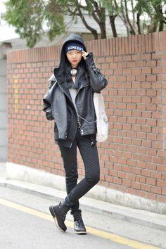 Streetstyle: Yeo Yeon Hee shot by Choi Seungjum | #k-fashion #kfashion #korean #fashion #korea |