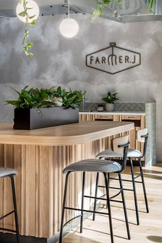 Farmer J accommodates dine-in and on-the-go customers; the space effortlessly transitions from morning to night, week to weekend and coffee to cocktails. Discover how Biasol have merged the concept of grab-and-go with a full-service restaurant.