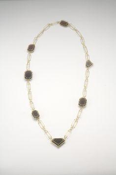 Etsuko Sonobe - necklace 2006 18 ct gold, agate - 425 x 200 x 7 mm