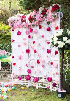 The floral photo prop backdrop is amazing! Easter Backdrops, Backdrops For Parties, Fairy Birthday, Birthday Parties, Ostern Party, Diy Party, Party Ideas, Theme Ideas, Fairy Tea Parties