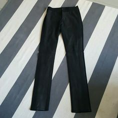 Elie Tahari 2 ankle zip leather front pants Size 2 Worn once Like new Stretch pants 100% leather front Elie Tahari Pants Skinny