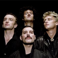 fahrenheit — Queen members recreating the 'Bohemian Rhapsody' Gif Queen Photos, Queen Pictures, Queen Freddie Mercury, Queen Band, John Deacon, I Am A Queen, Save The Queen, Brian May, Freedy Mercury