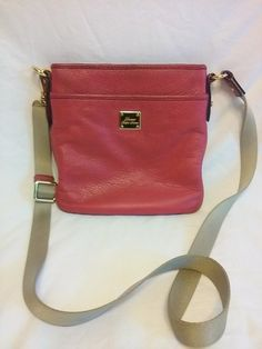 Ralph Lauren pretty pink  pebble grain leather handbag can be worn  as a side bag or crossbody. Great way to enjoy a hands free summer adventure.This bag is in great condition. No stains rips or tears