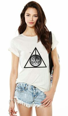 Deathly Hallows Cat Tee – Meowingtons Combines two of my favs...Harry Potter and Catz!