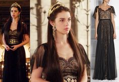 "In the episode 2x03 (""Coronation"") Queen Mary wears this Notte by Marchesa Lace and Pleated Tulle Gown"