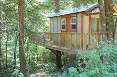 Entire home/apt in Helen, United States. This treehouse is one of a kind and made out of recycled materials placed up a tree! It is a cozy place to relax and be completely surrounded . Play Houses, Tree Houses, Modern Tree House, Normal House, Old Trees, Thing 1, Tiny House, Small Houses, Cozy Place