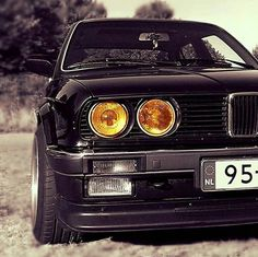 BMW E30 3 series black front stance