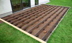 Sistema de instalação de deck de madeira com parafusos invisíveis
