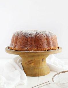 The BEST Pound Cake you will EVER try! This recipe is a WINNER! #poundcake #cake #baking #creamcheesepoundcake #creamcheese #iambaker