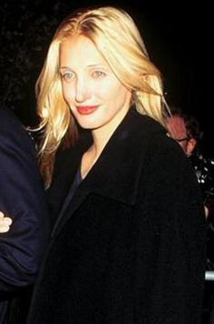 Carolyn Bessette Kennedy - A stunning minimalist. One friend wrote it took her exactly 7 minutes to shower and dress in the morning--and always looked beautiful. I've heard of quick showers but seven minutes to take one then dress, do hair and makeup?? It's beyond my comprehension!