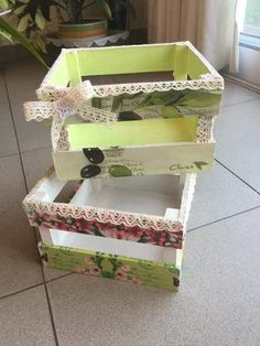 Floreros Botellas Y Macetas -madera Pintada Decorada Vintage - $ 185,00 en Mercado Libre