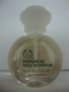 The Body Shop DEWBERRY perfume oil 15 Ml. The Body Shop http://www.amazon.com/dp/B0058KGV8C/ref=cm_sw_r_pi_dp_LpDtub00FYDP4