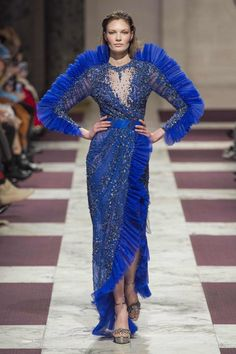 Ziad Nakad at Couture Spring 2019 - Runway Photos Style Couture, Couture Fashion, Fashion Week, Fashion Show, Fashion Design, Couture Dresses, Fashion Dresses, Collection Couture, Golden Dress