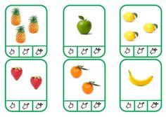 Les cartes à compter sont utilisées en autonomie, les enfants prennent une pince à linge pour indiquer la réponse et peuvent s'auto évaluer car au verso de la carte un point jaune apparait sur la bonne réponse. Les cartes à bord bleu sont utilisées avec...