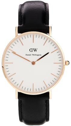 €258, Reloj de Cuero Negro y Dorado de Daniel Wellington. De Asos. Detalles: https://lookastic.com/women/shop_items/327951/redirect
