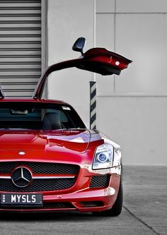 Mercedes SLS. Wow.
