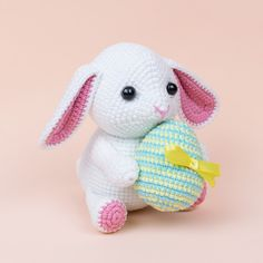 Are you looking for free cute amigurumi bunny pattern? Crochet with Amigurumi Today! Here you can discover lots of amigurumi bunny ideas and crochet bunny patterns suited to every fancy! Easter Bunny Crochet Pattern, Crochet Lion, Crochet Rabbit, Crochet Teddy, Crochet Animal Patterns, Stuffed Animal Patterns, Crochet Patterns Amigurumi, Amigurumi Doll, Crochet Toys