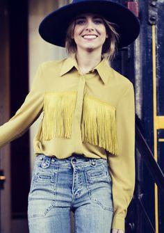 Camisa biomba básica HONEY GOLD con flecos dorados en el pecho