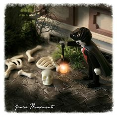 Happy Halloween #Playmobil #Art #Cult #Halloween #Playmoween #ILovePlaymobil #Playbrasilmobil #VejaRio #MaisVocê #RevistaOGlobo #RevistaDaTV #40anosPlaymobil #NãoSalvo #MundoEstranho #HappyHalloween #Playmoween #DiaDasBruxas #Ghosts #Vampiros #Medo #Fantasmas #Zumbis #EUTONANUVEM