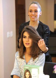 A top blogger e vlogger Camila Coelho em uma de suas últimas visitas ao Brasil experimentou a linha Detox Capilar Cadiveu Professional. Nossa cabeleireira