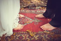 Looking for an easy outdoor ceremony decor idea? Use a few little rugs to mark the ceremony spot. Plus, take the rugs home and be reminded of your ceremony. Pagan Wedding, Gypsy Wedding, Forest Wedding, Chic Wedding, Wedding Events, Rustic Wedding, Dream Wedding, Wedding Day, Wedding Stuff
